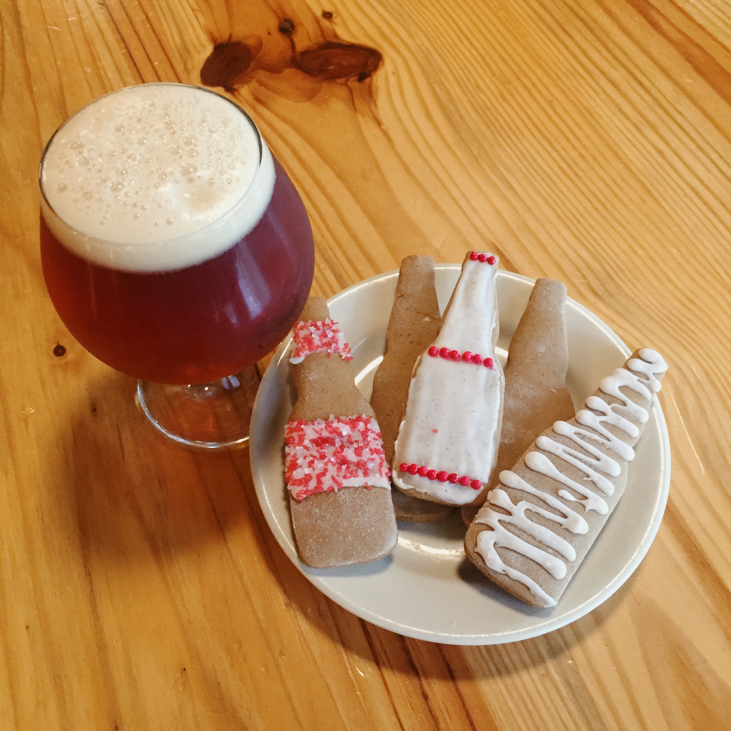 christmas ale gingerbread cookies with cinnamon icing - Christmas Ale Recipe